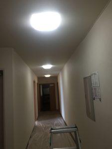 事務所省エネ対策のために全館LED化